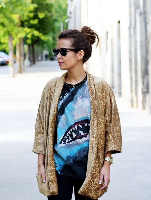 Áo khoác kimono - Xu hướng áo bay bổng, nhẹ bẫng của mùa hè 23