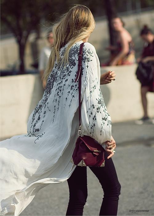 Áo khoác kimono - Xu hướng áo bay bổng, nhẹ bẫng của mùa hè 22