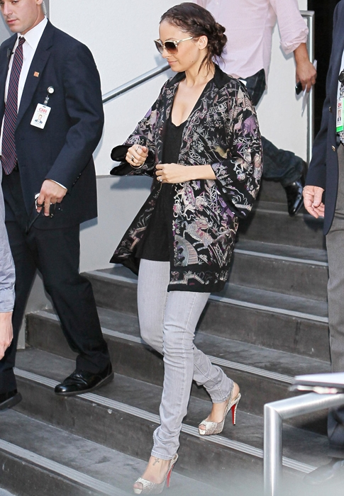 Áo khoác kimono - Xu hướng áo bay bổng, nhẹ bẫng của mùa hè 7