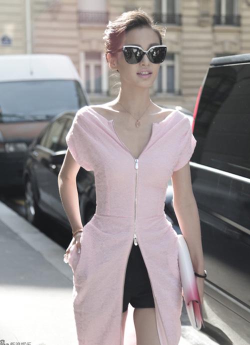 Angela Baby xinh đẹp và thời thượng tại Paris Fashion Week 1