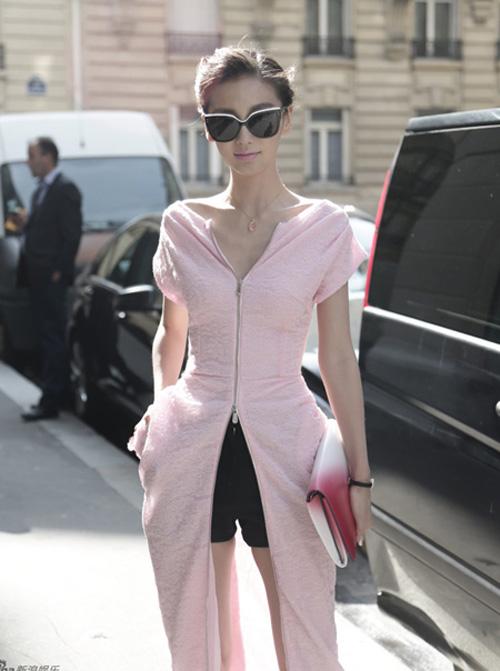 Angela Baby xinh đẹp và thời thượng tại Paris Fashion Week 2