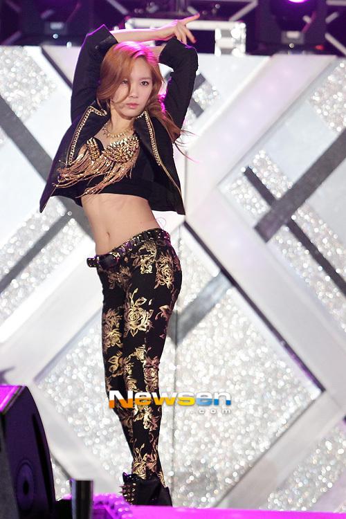 Trang phục trình diễn tại Dream Concert của SNSD bị chê bai vì quá xấu 6