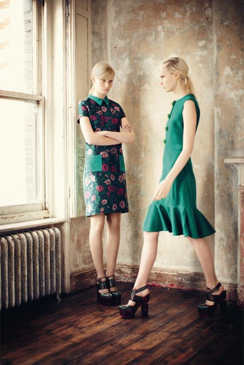 Chọn váy theo xu hướng thời trang thập niên 60s 2
