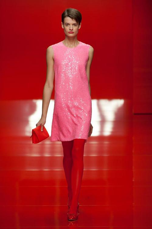 Chọn váy theo xu hướng thời trang thập niên 60s 22