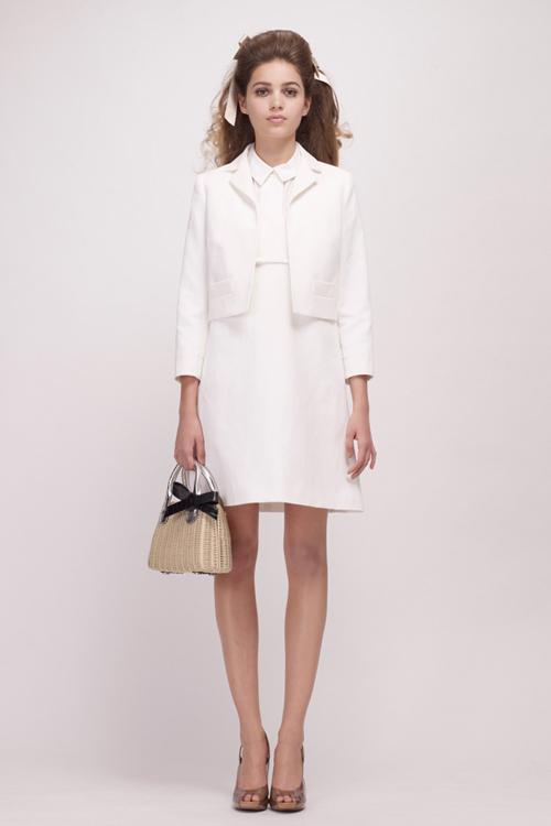 Chọn váy theo xu hướng thời trang thập niên 60s 4