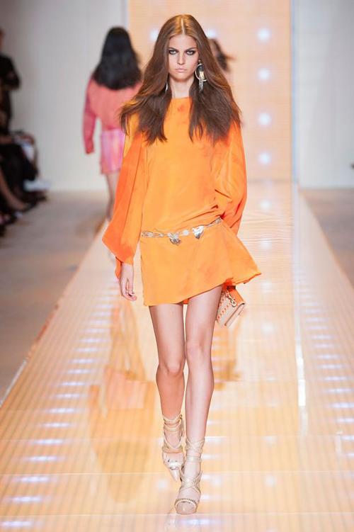 Chọn váy theo xu hướng thời trang thập niên 60s 21