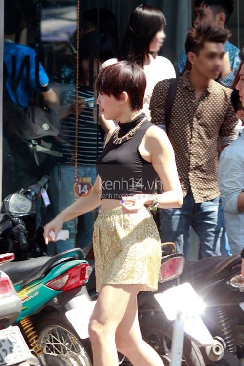 Muôn kiểu phong cách thời trang của sao Việt với tóc ngắn 14