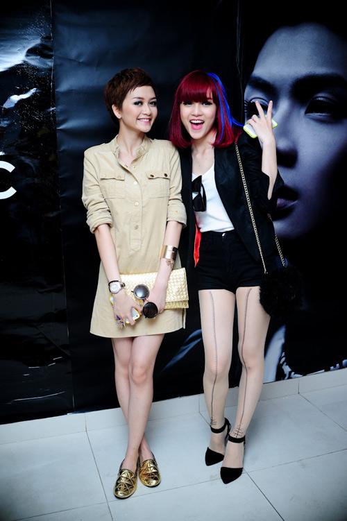 Muôn kiểu phong cách thời trang của sao Việt với tóc ngắn 36