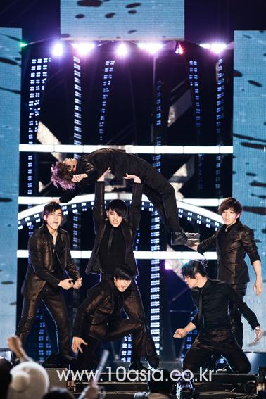 Tuyển tập vũ đạo đẹp mắt của các sao Kpop (P.2) 96