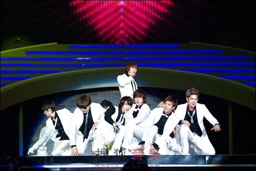 Tuyển tập vũ đạo đẹp mắt của các sao Kpop (P.2) 24