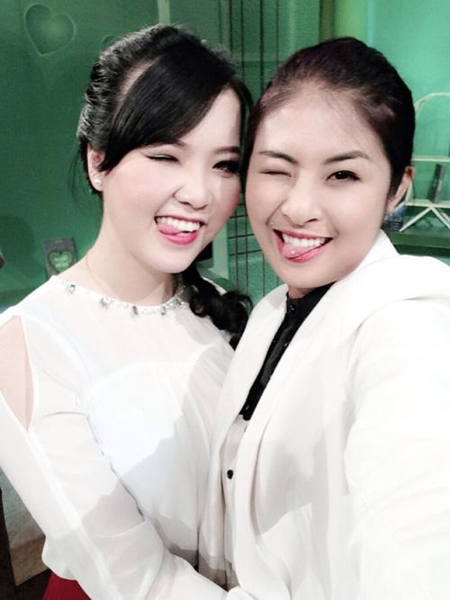 """Khi sao Việt cũng mê mẩn chụp ảnh """"xì-tin"""" 28"""