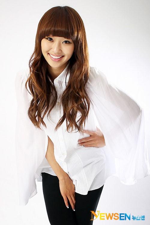 Rapper Tiến Đạt khoe bạn gái giống Hyorin (Sistar) 5