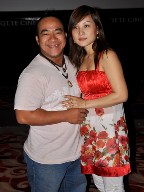 Vợ diễn viên Hiếu Hiền bị tố lấy trộm iPhone 5 2