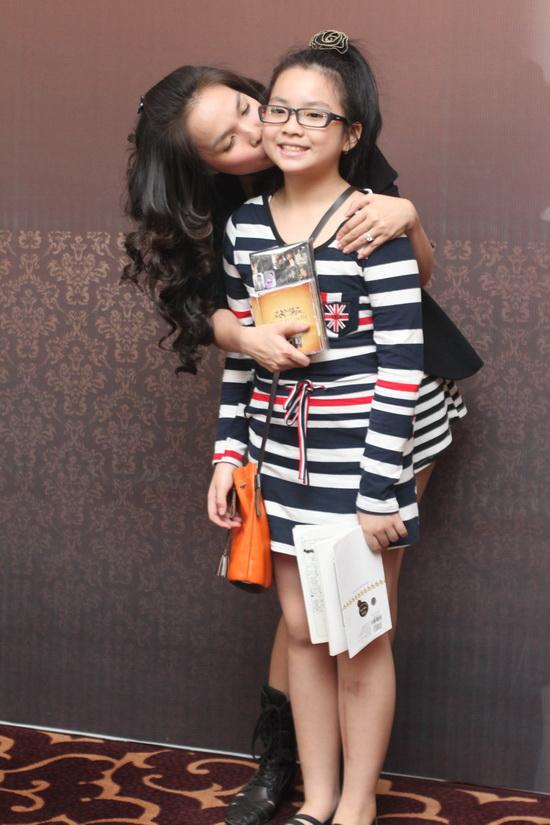 Những nhóc tì nhà sao Việt càng lớn càng xinh và chững chạc 3