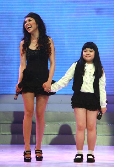 Những nhóc tì nhà sao Việt càng lớn càng xinh và chững chạc 2