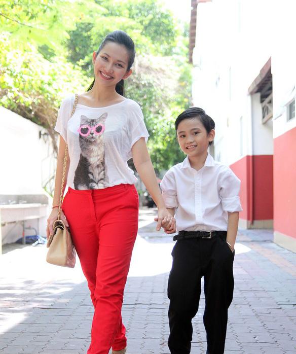 Những nhóc tì nhà sao Việt càng lớn càng xinh và chững chạc 11