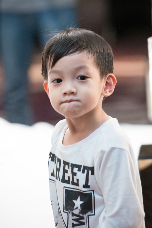 Những nhóc tì nhà sao Việt càng lớn càng xinh và chững chạc 39