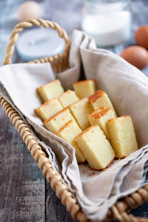 Bạn đã biết cách phân biệt các loại bánh bông lan chưa?