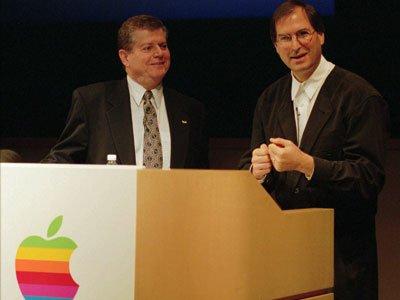 Steve Jobs – Bill Gates: Đối thủ lớn, người bạn vĩ đại 10