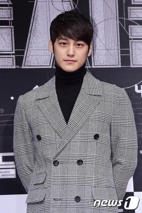 Loạt siêu sao Hàn Quốc tề tựu khoe sắc trên thảm đỏ 12