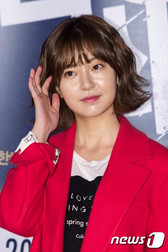"""Thiên thần nhí Hàn Quốc Kim Yoo Jung """"dừ"""" như U30 giữa dàn sao 7"""
