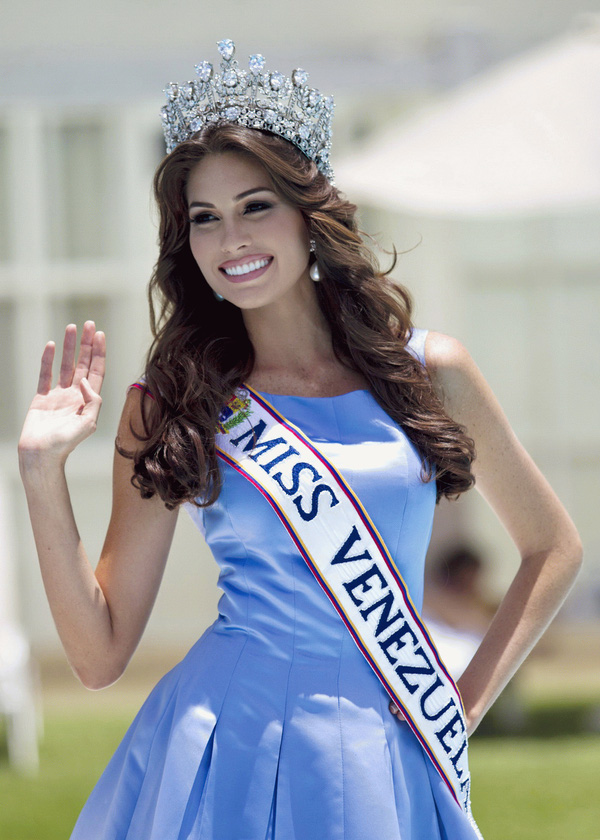 Cận cảnh nhan sắc xinh đẹp của Miss Universe 2013 3