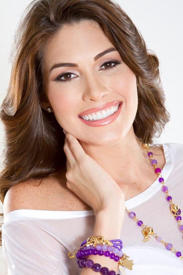 Cận cảnh nhan sắc xinh đẹp của Miss Universe 2013 7