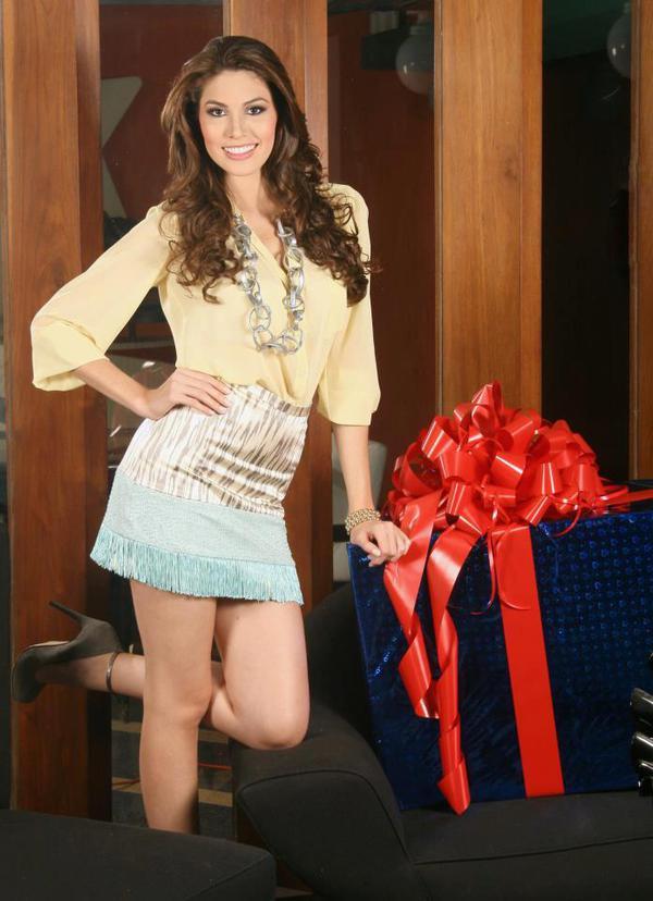 Cận cảnh nhan sắc xinh đẹp của Miss Universe 2013 14