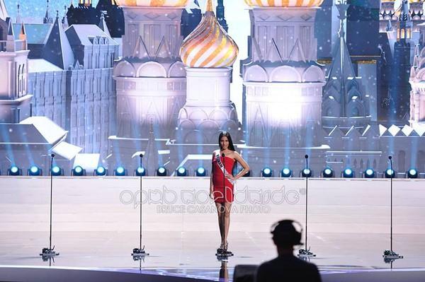 Trương Thị May tự tin tỏa sáng vòng Bán kết Miss Universe 2013 39