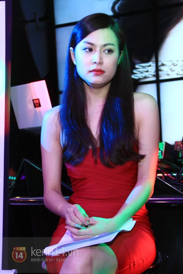 Clip Hong Thy Linh Can M Chia S V Scandal Trong Qu Kh-6685
