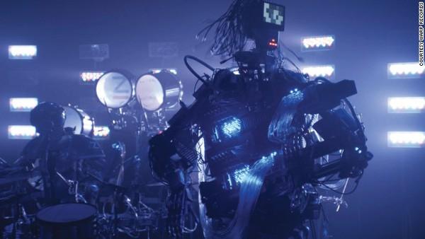 Gặp nhóm nhạc robot chơi rock cực ấn tượng 3