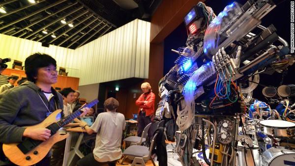 Gặp nhóm nhạc robot chơi rock cực ấn tượng 4