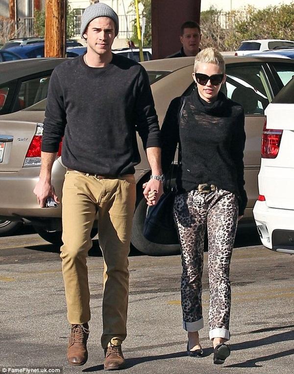 Miley gọi Liam là chồng yêu 3