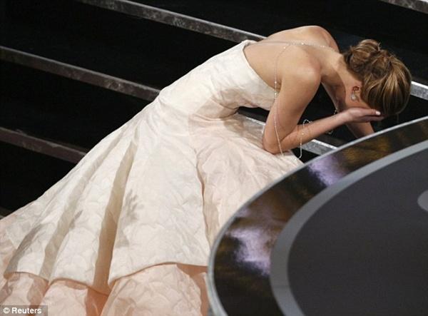"""Sao và những sự cố """"ì xèo"""" xung quanh Lễ trao giải Oscar 1"""