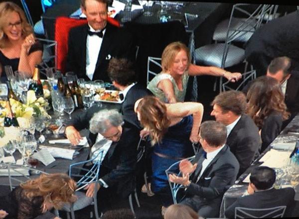 Jennifer Lawrence phân trần chuyện ngã khi nhận giải Oscar 5