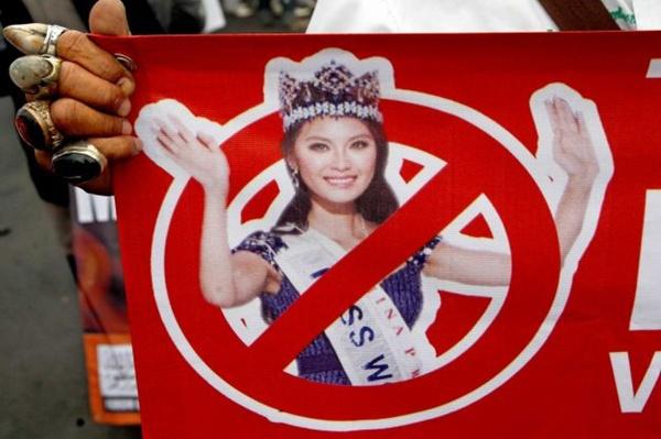 Hơn 200 người dân Hồi giáo biểu tình phản đối Miss World 2013 1