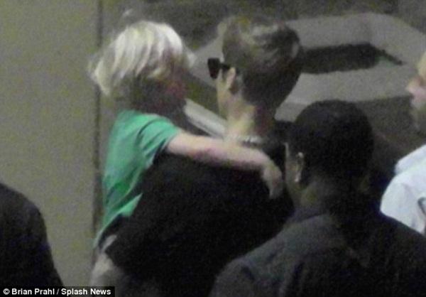Nghi án Justin Bieber quay lại với người yêu cũ 4