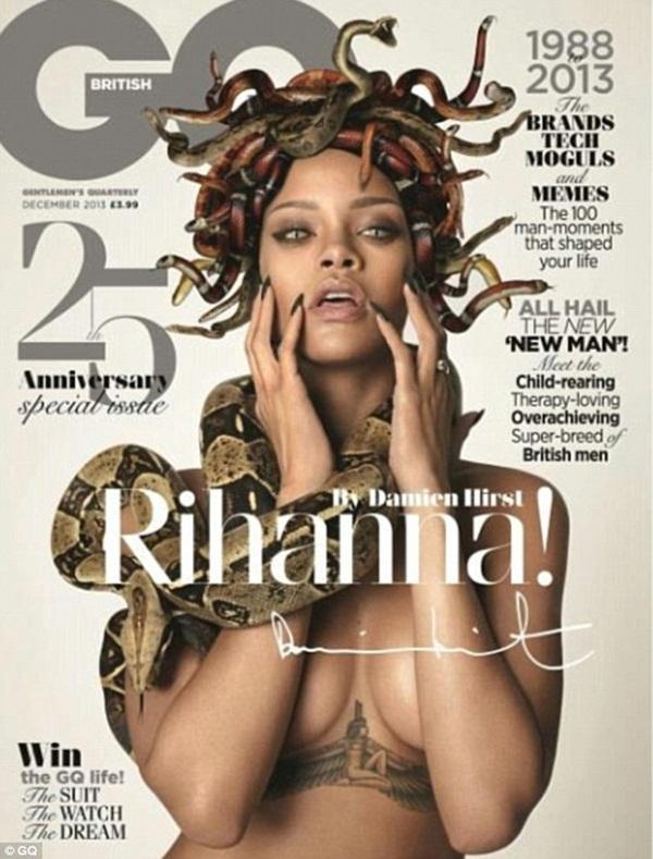 Rihanna ngực trần hóa nữ thần đầu rắn Medusa 1