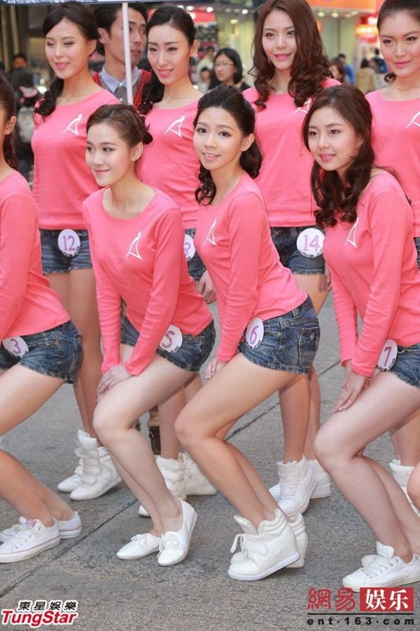 Dàn thí sinh Hoa hậu châu Á mặc quần ngắn giữa trời rét 10 độ C 2