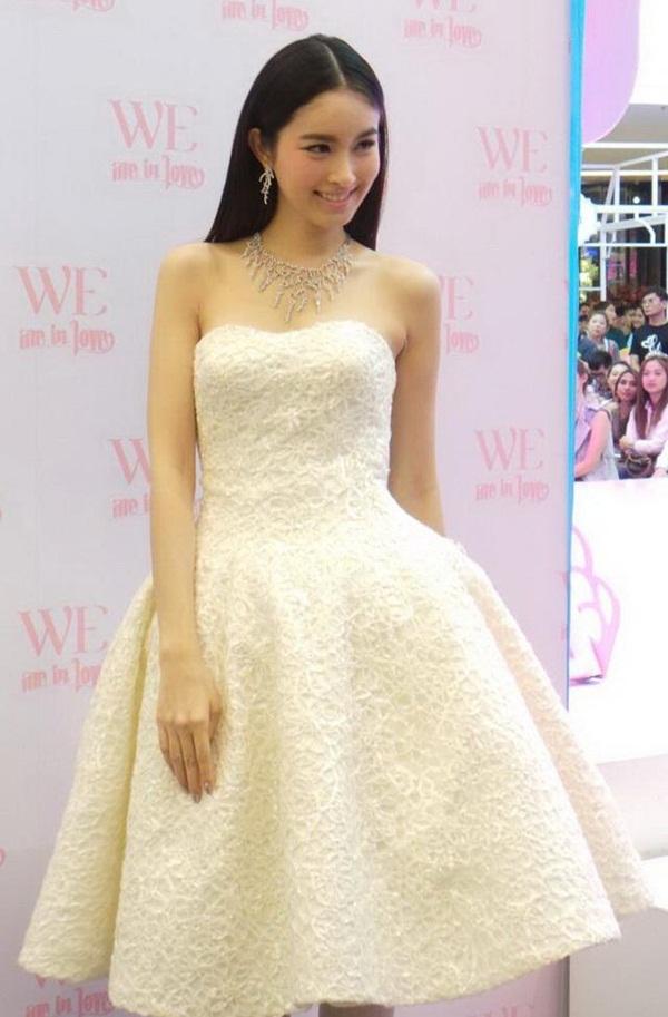 Nong Poy lộng lẫy như nữ thần khi mặc váy cưới 1