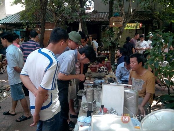 Săn hàng độc ở phiên chợ đồ cổ, đồ xưa đặc biệt giữa Hà Nội 7
