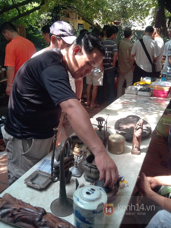 Săn hàng độc ở phiên chợ đồ cổ, đồ xưa đặc biệt giữa Hà Nội 26