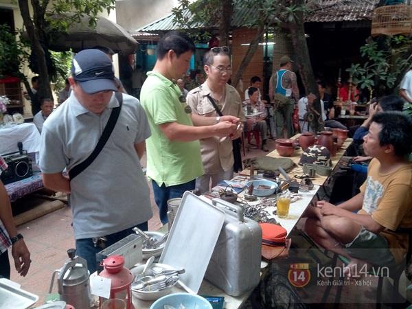 Săn hàng độc ở phiên chợ đồ cổ, đồ xưa đặc biệt giữa Hà Nội 17