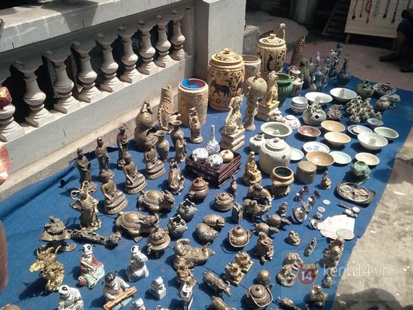 Săn hàng độc ở phiên chợ đồ cổ, đồ xưa đặc biệt giữa Hà Nội 10