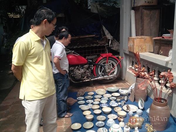Săn hàng độc ở phiên chợ đồ cổ, đồ xưa đặc biệt giữa Hà Nội 18