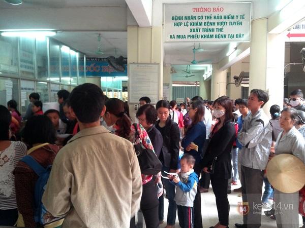 Hà Nội: Bệnh viện chật kín người đến khám bệnh đau mắt đỏ 5