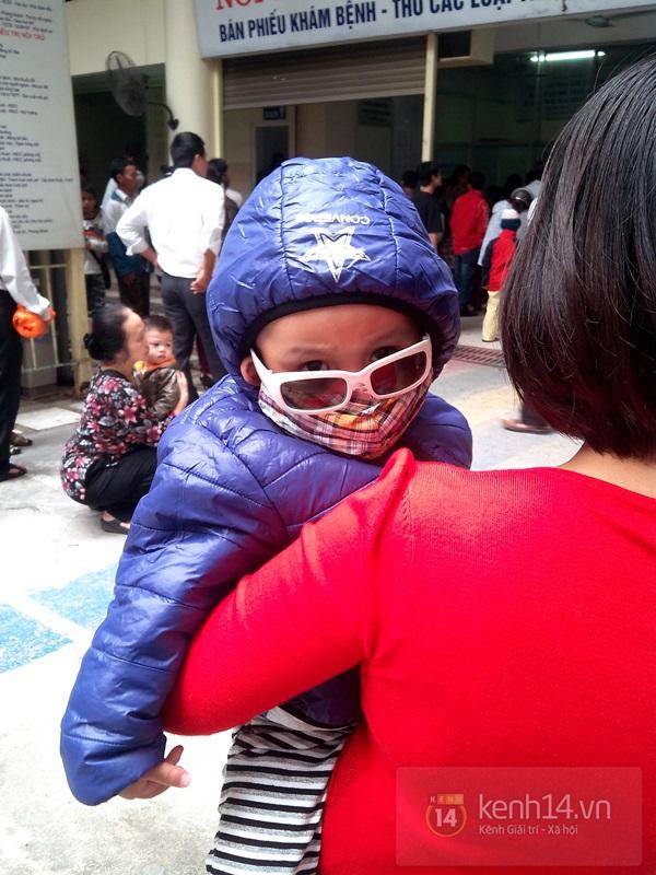 Hà Nội: Bệnh viện chật kín người đến khám bệnh đau mắt đỏ 2