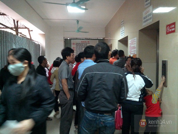 Hà Nội: Bệnh viện chật kín người đến khám bệnh đau mắt đỏ 8