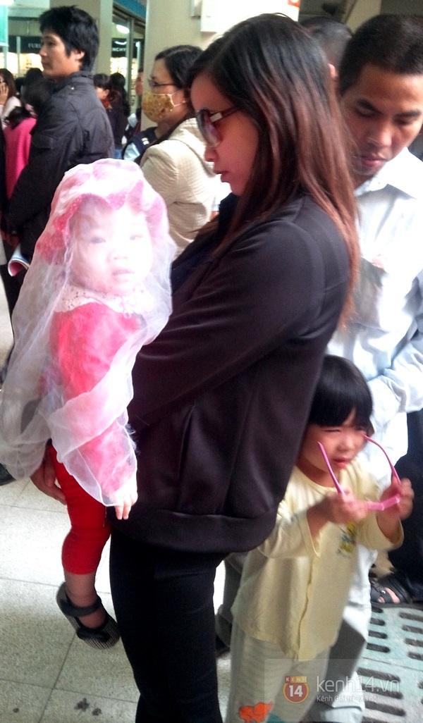 Hà Nội: Bệnh viện chật kín người đến khám bệnh đau mắt đỏ 10