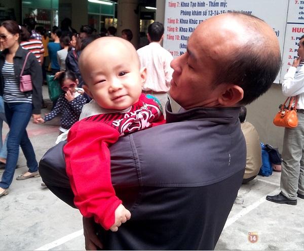 Hà Nội: Bệnh viện chật kín người đến khám bệnh đau mắt đỏ 13